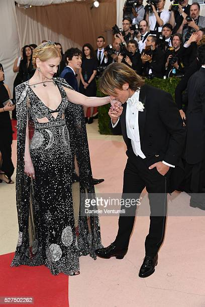 Nicole Kidman and Keith Urban attend the 'Manus x Machina Fashion In An Age Of Technology' Costume Institute Gala at the Metropolitan Museum on May...
