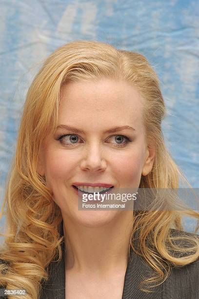 OUT*** Nicole Kidman answers questions from the press at a junket for her new film Cold Mountain at the the Park Hyatt Hotel on December 8 2003 in...