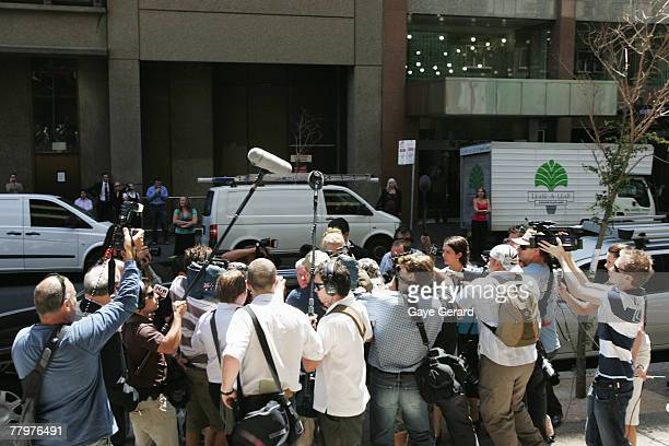 Nicole Kidman arrives at the NSW Supreme Court to give evidence against photographer Jamie Fawcett on November 19 2007 in Sydney Australia Kidman...