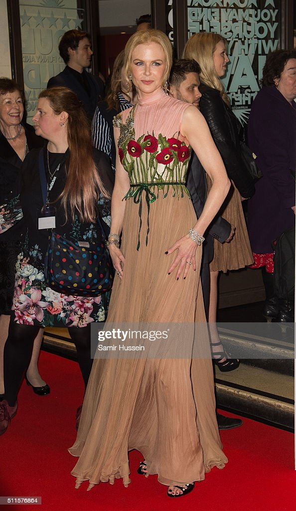 Nicole Kidman arrives for the WhatsOnStage Awards at Prince Of Wales Theatre on February 21, 2016 in London, England.