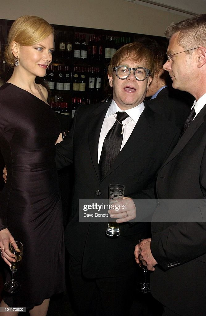 Nicole Kidman, Elton John & Stephen Daldry (director), 'The Hours' Uk Charity Movie Premiere After Party Held At The Bluebird Restaurant In London.
