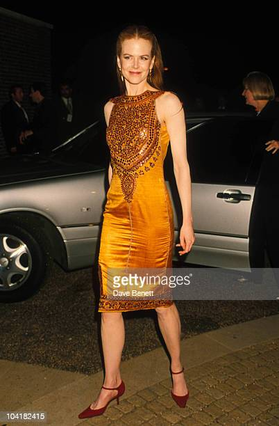Nicole Kidman Eyes Wide Shut Premiere In London 09 1999