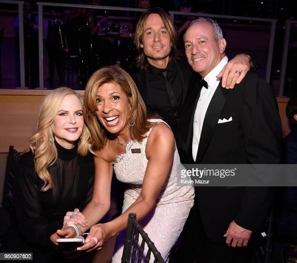 Nicole Kidman Hoda Kotb Keith Urban and Joel Schiffman attend the 2018 Time 100 Gala at Jazz at Lincoln Center on April 24 2018 in New York CityÊ