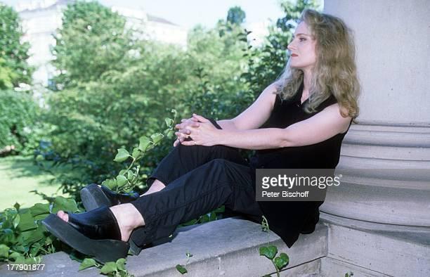 Nicole, Kurhaus, Baden-Baden, Baden-Württemberg, Deutschland, Europa, Schlager-Sängerin, CD;