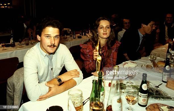 Nicole Manager und Lebensgefährte Winfried Seibert Verleihung Goldene Europa Getränke Speisen Promis Prominenter Prominente