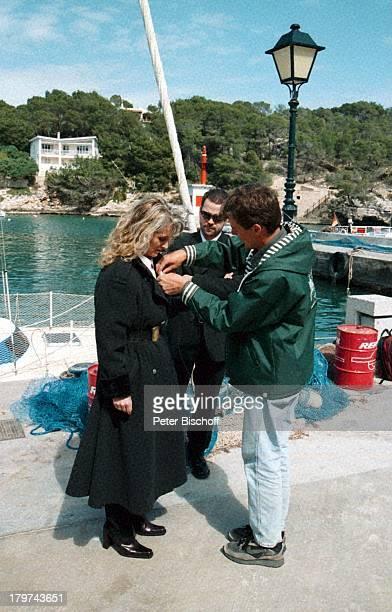 Nicole mit Ehemann Winfried Seibert mitCrewMitglied ZDFShow Auf der Straßenach Süden Mallorca/Spanien
