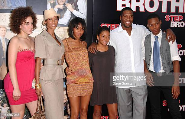 Nicole Murphy and Michael Strahan arrives at the Premiere of Columbia Pictures' Step Brothers at the Mann Village Theater on July 14 2008 in Los...