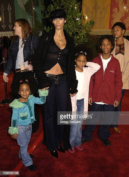 Nicole Murphy kids during 'Harry Potter and the Chamber of Secrets' Premiere Los Angeles Arrivals at Mann Village Theatre in Westwood California...