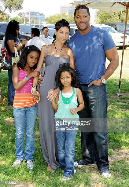 """Nicole Parker Murphy, Michael Strahan and children arrive for the 20th Anniversary """"A Time For Heroes"""" Celebrity Carnival Sponsored By The Elizabeth..."""