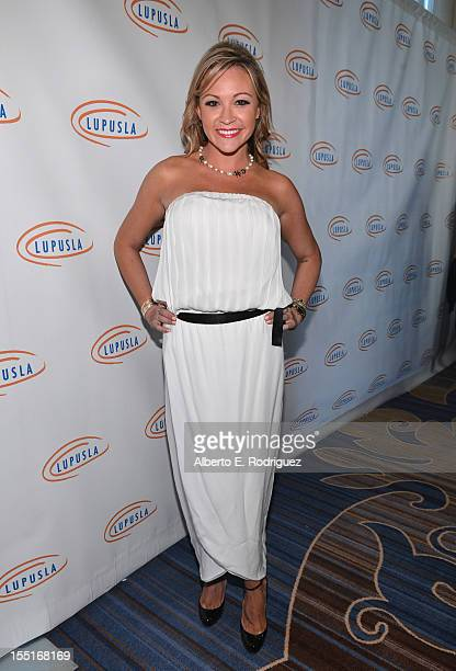 Nicole Paxson arrives to the Lupus LA 10th Anniversary Hollywood Bag Ladies Luncheon at Regent Beverly Wilshire Hotel on November 1 2012 in Beverly...