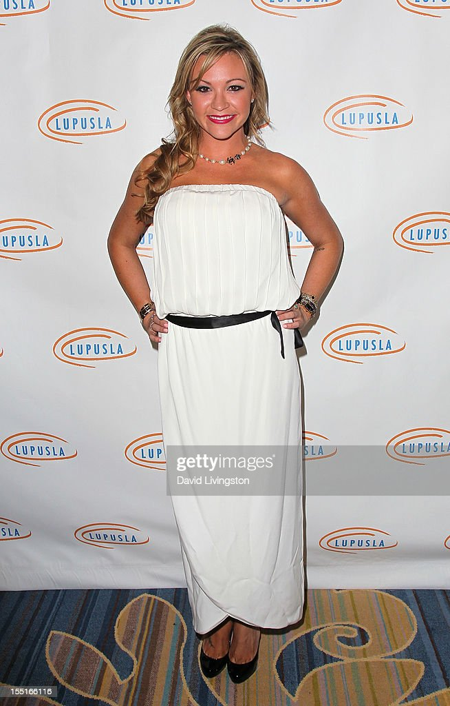 10th Annual Lupus LA Hollywood Bag Ladies Luncheon : News Photo