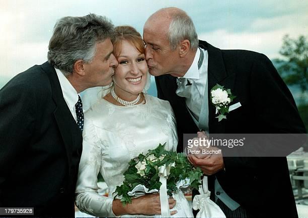 """Nicole R. Beutler mit Heinz Trixner und;Klaus Wildbolz, ZDF-Serie """"Schloßhotel;Ohrt"""", Hochzeits-Kleid,"""