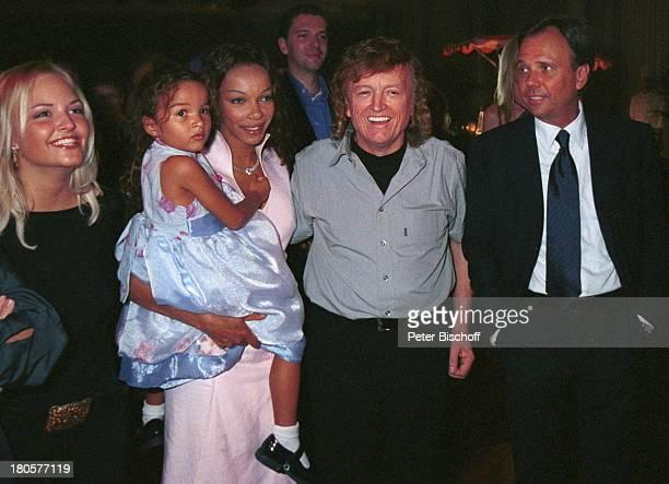 Nicole Reuther Lebensgefährtin Chinya Ongewenyo mit Tochter Yanina F r a n k F a r i a n Andre Selleneit Geburtstagsfeier zum 60 im Palais am...
