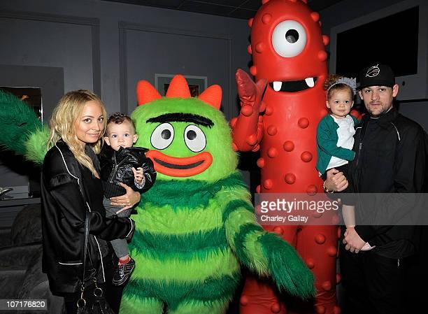Nicole Richie son Sparrow Madden daughter Harlow Madden and husband musician Joel Madden pose with YO GABBA GABBA characters backstage at YO GABBA...