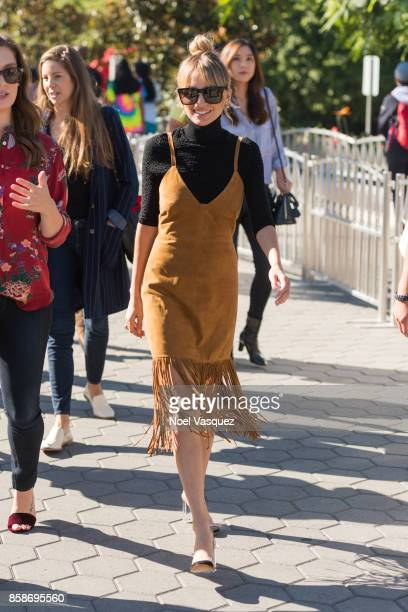 Nicole Richie visits 'Extra' at Universal Studios Hollywood on October 5 2017 in Universal City California