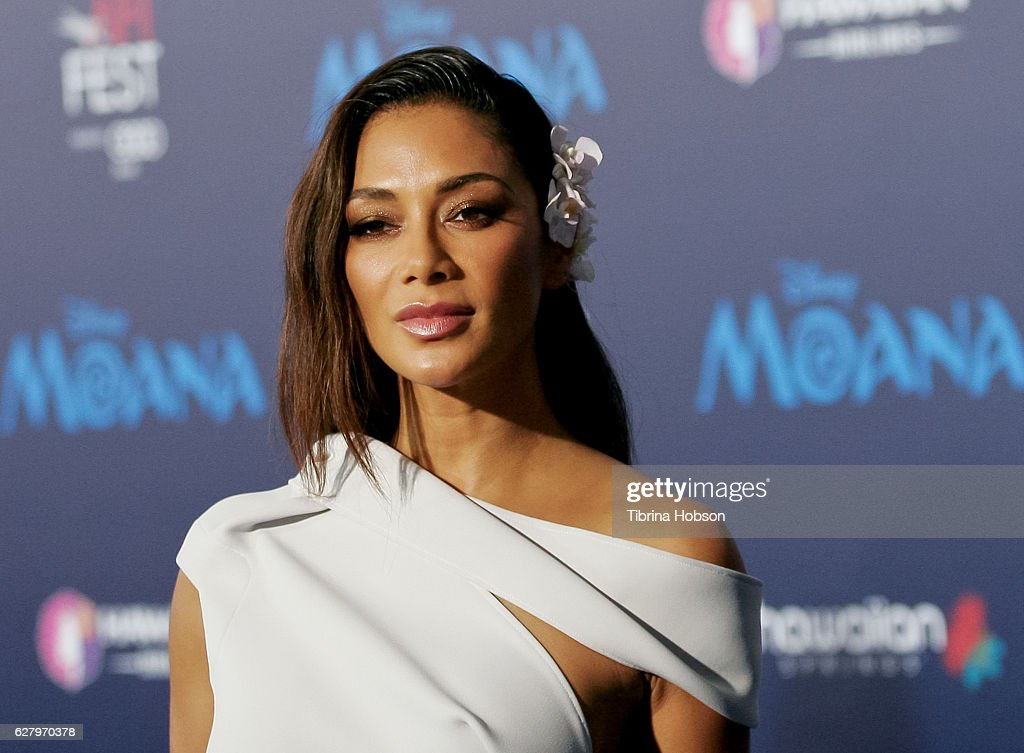 """AFI FEST 2016 Presented By Audi - Premiere Of Disney's """"Moana"""" - Red Carpet : News Photo"""