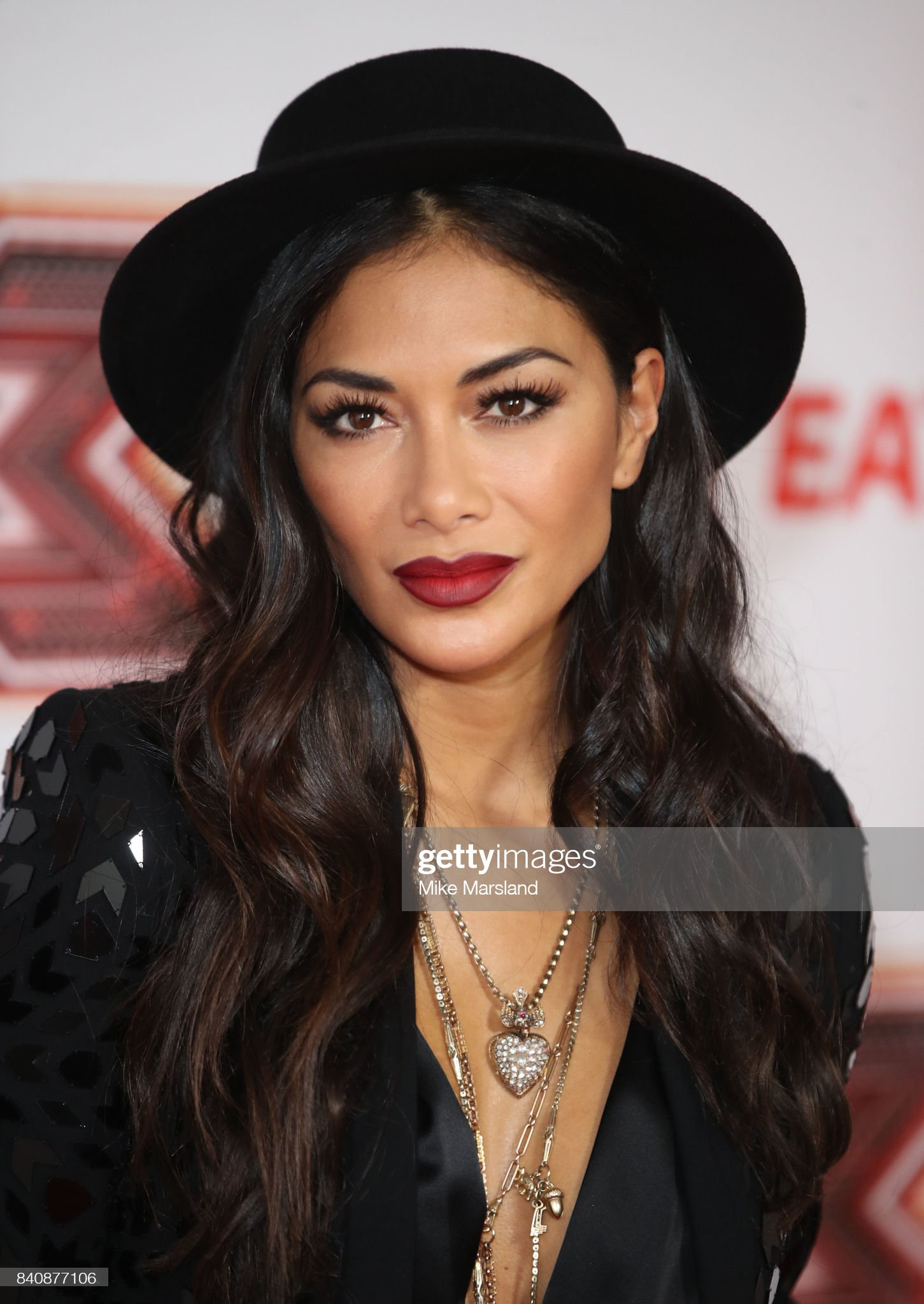 Top 80 Famosas Foroalturas Nicole-scherzinger-during-the-x-factor-series-14-red-carpet-press-at-picture-id840877106?s=2048x2048