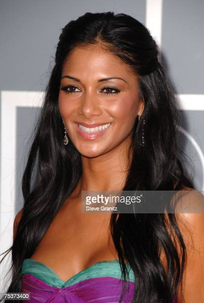 Nicole Scherzinger of the Pussycat Dolls nominees Best Pop Performance By A Duo Or Group With Vocal for Stickwitu