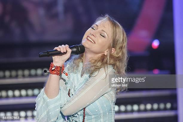 Nicole Seibert Saengerin Schlager D Auftritt in der MDR Fernsehshow Musik für Sie