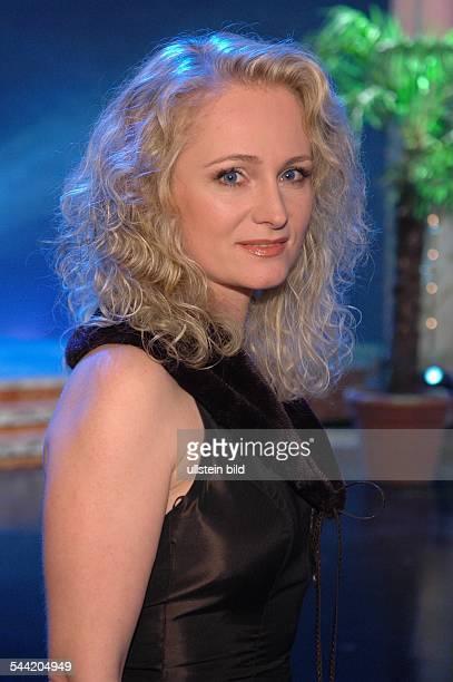 Nicole Seibert Saengerin Schlager D bei der Gala Goldene Stimmgabel 2004 in Ludwigshafen