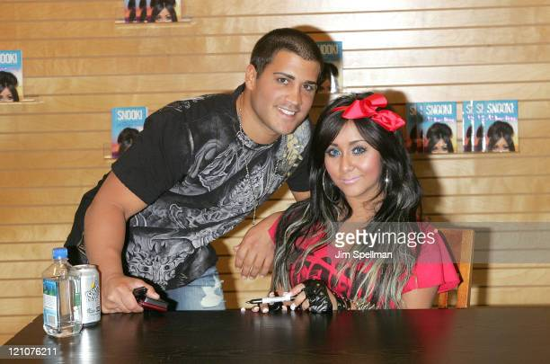Nicole Snooki Polizzi and boyfriend Jionni LaValle promote A Shore Thing at Barnes Noble Paramus on August 13 2011 in Paramus New Jersey