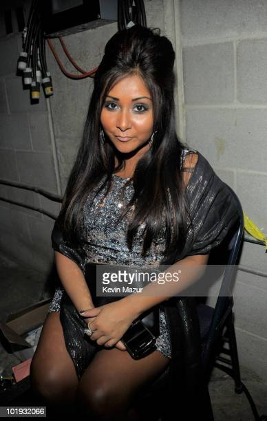 Nicole 'Snooki' Polizzi attends the 2010 CMT Music Awards at the Bridgestone Arena on June 9 2010 in Nashville Tennessee