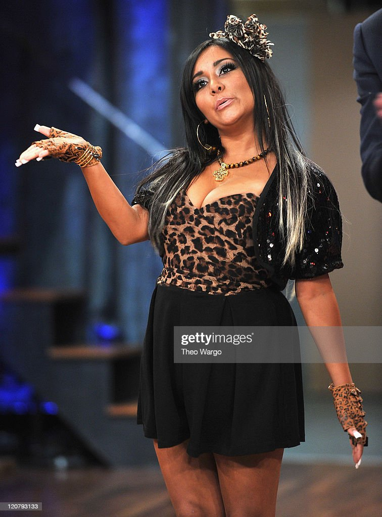 "Nicole ""Snooki"" Polizzi Visits ""Late Night With Jimmy Fallon"" - August 10, 2011"