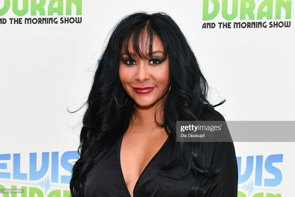 """Cast Of """"Jersey Shore Family Vacation"""" Visits """"The Elvis Duran Z100 Morning Show"""" : ニュース写真"""