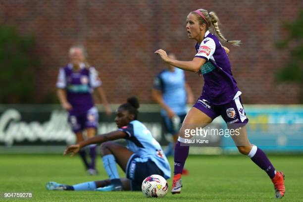 Nicole Stanton of the Perth Glory controls the ball during the round 11 WLeague match between the Perth Glory and Sydney FC at Dorrien Gardens on...