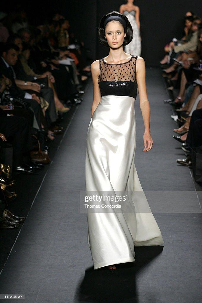 Olympus Fashion Week Spring 2006 - Carmen Marc Valvo - Runway : News Photo