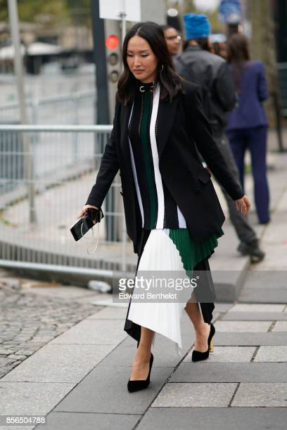 Nicole Warne attends Le Defile L'Oreal Paris as part of Paris Fashion Week Womenswear Spring/Summer 2018 at Avenue Des Champs Elysees on October 1...