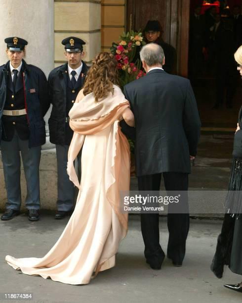 Nicoletta mantovani and Gianni Mantovani during Luciano Pavarotti Marries Nicoletta Mantovani at Teatro Comunale in Modena in Modena Italy