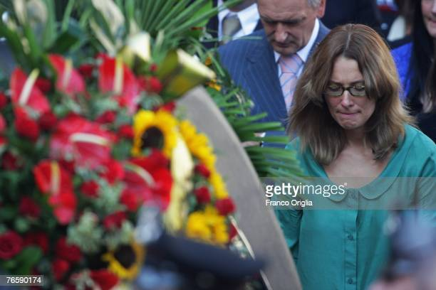 Nicoletta Mantovani Pavarotti attends Luciano Pavarotti's funeral held in Modena's Duomo on September 8 2007 in Modena Italy Pavarotti died of...