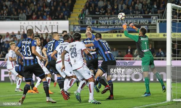 Nicolo Barella of Cagliari Calcio scores the opening goal during the serie A match between Atalanta BC and Cagliari at Stadio Atleti Azzurri d'Italia...