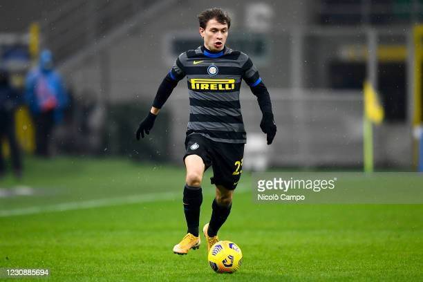 Nicolo Barella of FC Internazionale in action during the Serie A football match between FC Internazionale and Benevento Calcio. FC Internazionale won...