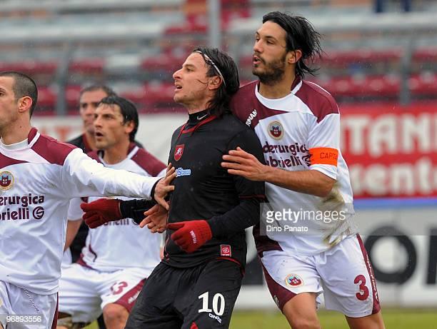 Nicolo' Cherubin of Cittadella compestes with Daniele Cacia of Reggina during the Serie B match between AS Cittadella and Reggina Calcio at Stadio...