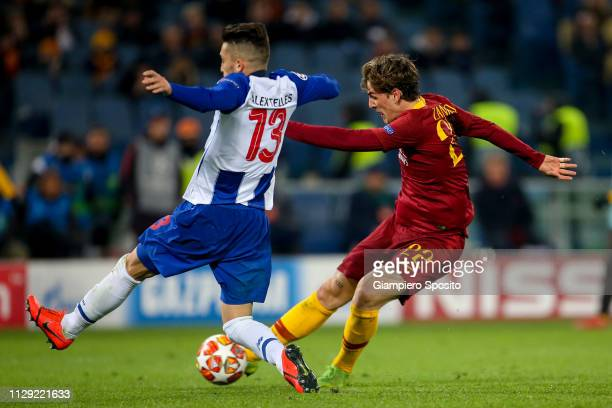 Nicolo Zaniolo of AS Roma scores his first goal against FC Porto during the UEFA Champions League Round of 16 First Leg match between AS Roma and FC...