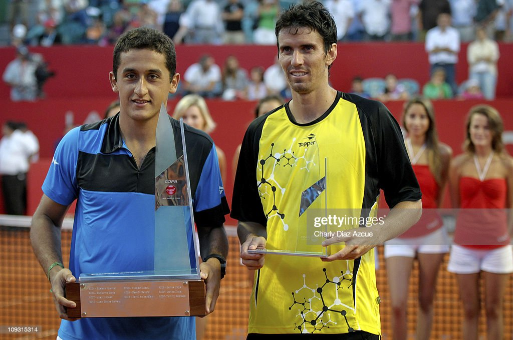 Nicolás Almagro of Spain and Juan Ignacio Chela of Argentina after... News Photo - Getty Images