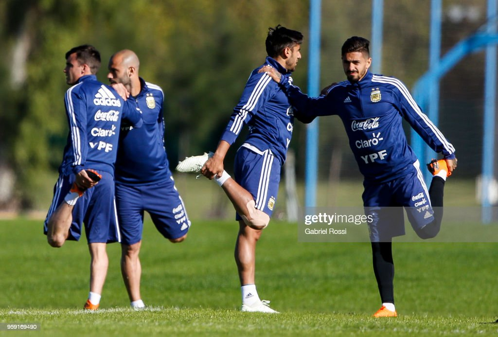 Nicolás Tagliafico, Eduardo Salvio, Javier Mascherano and Manuel Lanzini of Argentina warm up during a traning session as part of the preparation for the FIFA World Cup Russia at Julio Humberto Grondona Training Camp on May 16, 2018 in Ezeiza, Buenos Aires, Argentina.