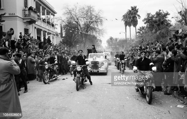 Nicosie Chypre 1er mars 1959 Mgr MAKARIOS archevêque et primat de l'Eglise orthodoxe de Chypre rentre dans son île dont il n'avait pas foulé le sol...