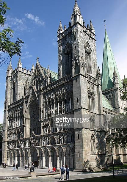 nidaros catedral trondheim - trondheim fotografías e imágenes de stock