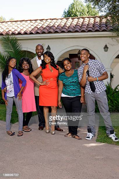SWAP Niecy Nash / Tina Yothers Actress/comedienne and web host Niecy Nash claims that it takes a village to raise a diva and hopes her new family...