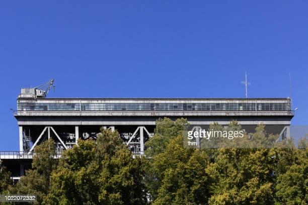 niederfinow boat lift (brandenburg state, germany) - elevator bridge stockfoto's en -beelden