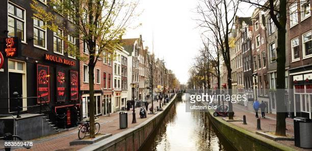NLD Niederlande Amsterdam Holland im Dezember Das Bild zeigt Im Rotlichtviertel Holland in December The picture shows The Red Light District