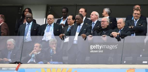 FUSSBALL Niederlande Argentinien Vizepraesident Jim BOYCE FIFA Vizepraesident Michel PLATINI FIFA Vizepraesident Angel Maria VILLAR LLONA FIFA...