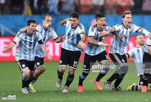 FUSSBALL Niederlande Argentinien Lionel Messi Pablo Zabaleta Martin Demichelis Marcos Rojo Lucas Biglia jubeln ueber den Einzug in das Finale