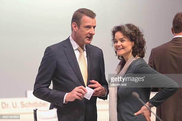 Niek Jan van Damme und Claudia Nemat Deutsche Telekom Hauptversammlung Lanxess Arena