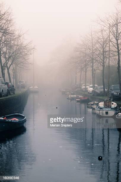 nieuwendam and venidse in fog - merten snijders stock-fotos und bilder