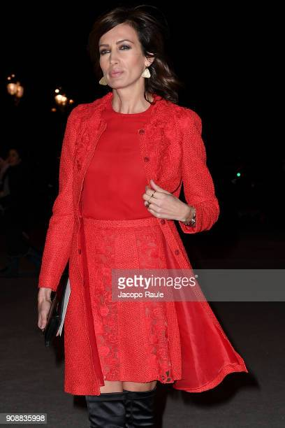 Nieves Alvarez is seen arriving at Giambattista Valli show during Paris Fashion Week Haute Couture Spring/Summer 2018 on January 22 2018 in Paris...