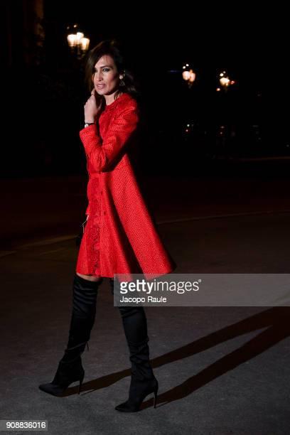 Nieves Alvarez is seen arriving at Giambattista Valli show during Paris Fashion Week Haute Couture Spring/Summer 2018 on January 22 2018 in Paris...